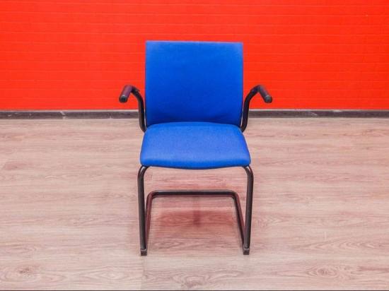 Кресло для посетителей Steelcase синее