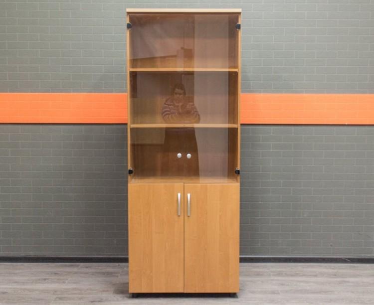 Офисная мебель бу. Шкаф со стеклянными дверцами, ольха
