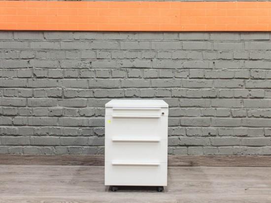 Тумба офисная подкатная, Офисная мебель бу. белая