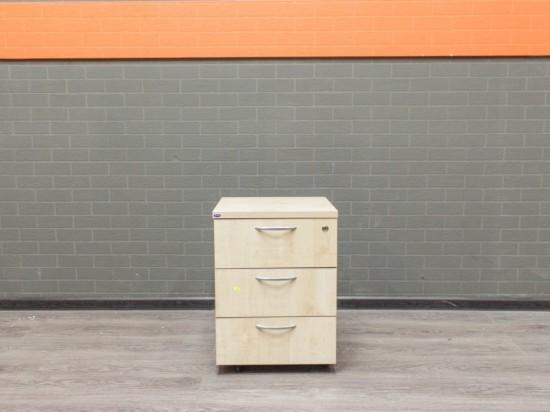Офисная мебель бу Тумба на колесах, клен
