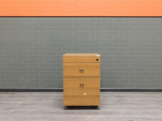 Офисная мебель бу. Тумба на колесах, орех