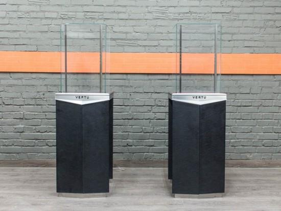 Витрина, стойка выставочная со стеклом