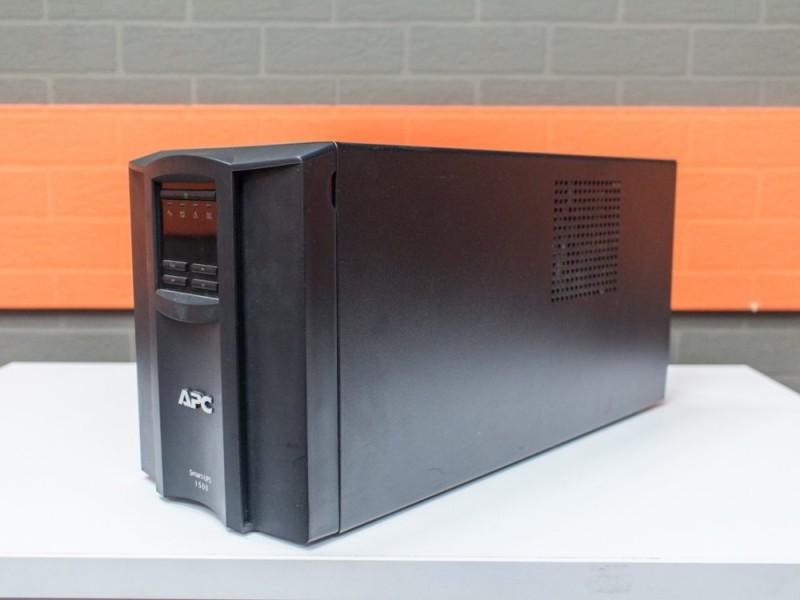 ИБП новый APC Smart-UPS 1500