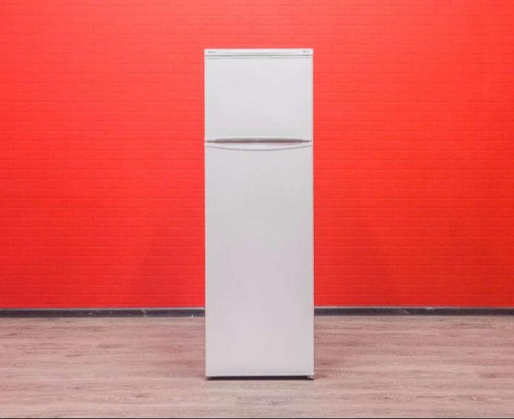Холодильник Indesit RG 2290 W