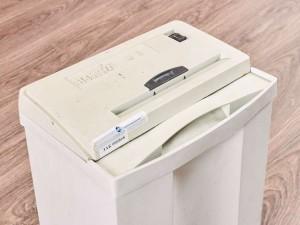 Уничтожитель бумаг шредер HSM90