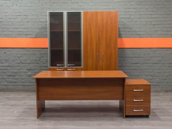 Комплект мебели для сотрудника новый, яблоня