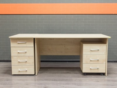 Офисный стол новый с тумбами Style, клен