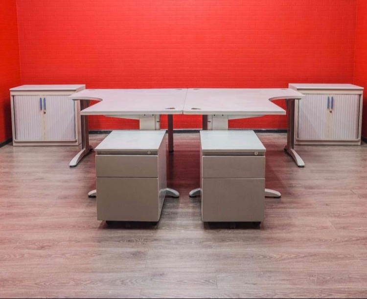 Комплект офисный Steelcase на двоих сотрудников, серый