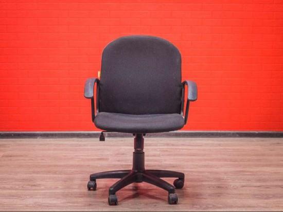 Кресло для персонала Chairman с низкой спинкой
