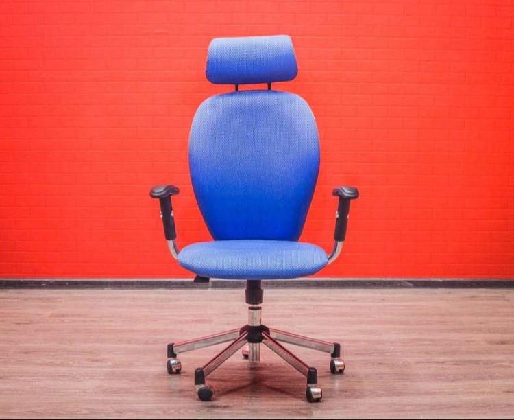 Кресло офисное Chairman с подголовником